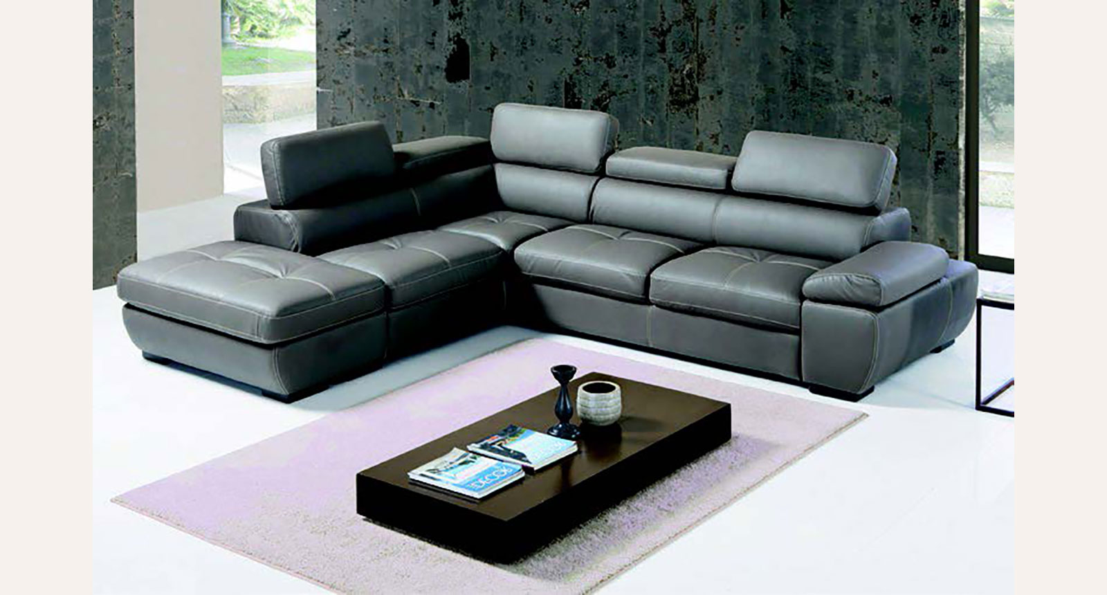The prestigious upholstered sofas and armchairs by Euro Design